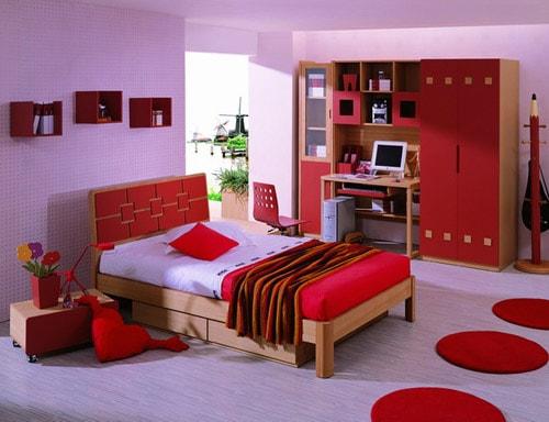 Sự ấm áp trong phòng ngủ người mệnh Hỏa nhờ biết cách phối 3 màu đỏ, hồng và tím