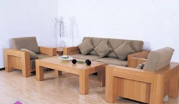 Bàn ghế sạch hơn sau khi lau với baking soda